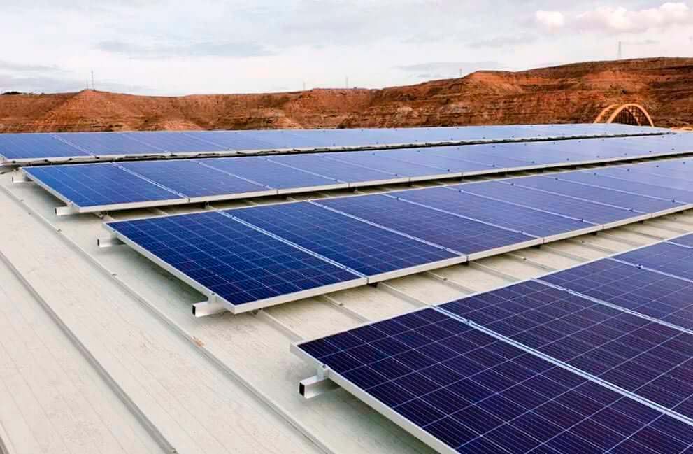 Instalación fotovoltaica en gasolinera en Zaragoza