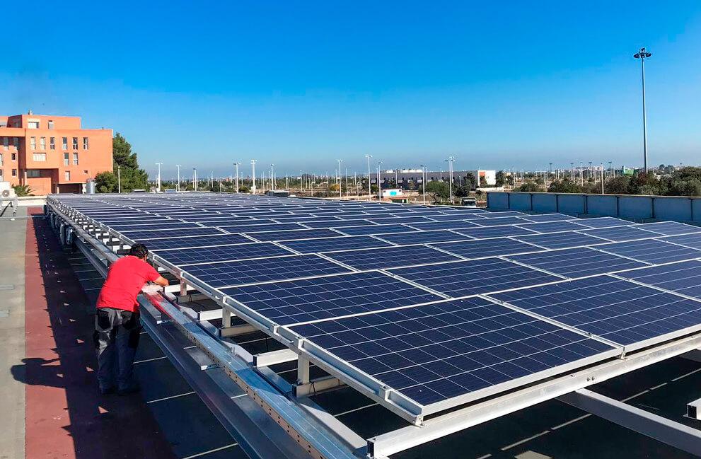 Instalación fotovoltaica en local comercial de Valencia 2
