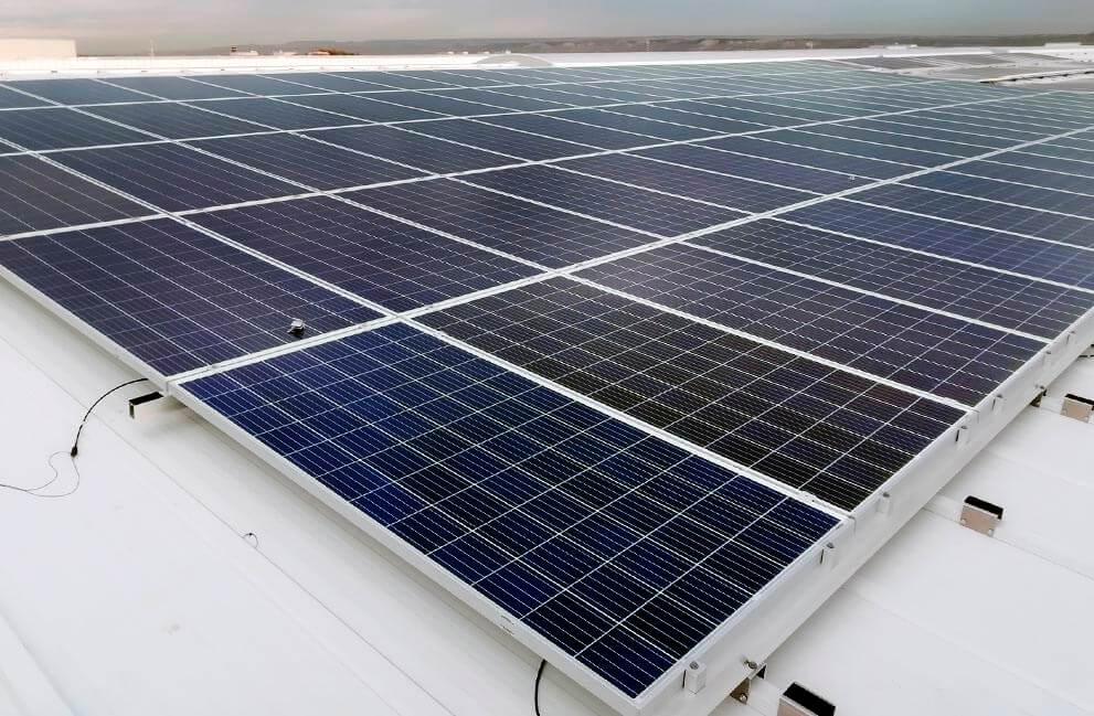Instalación fotovoltaica en local industrial en Zaragoza 2