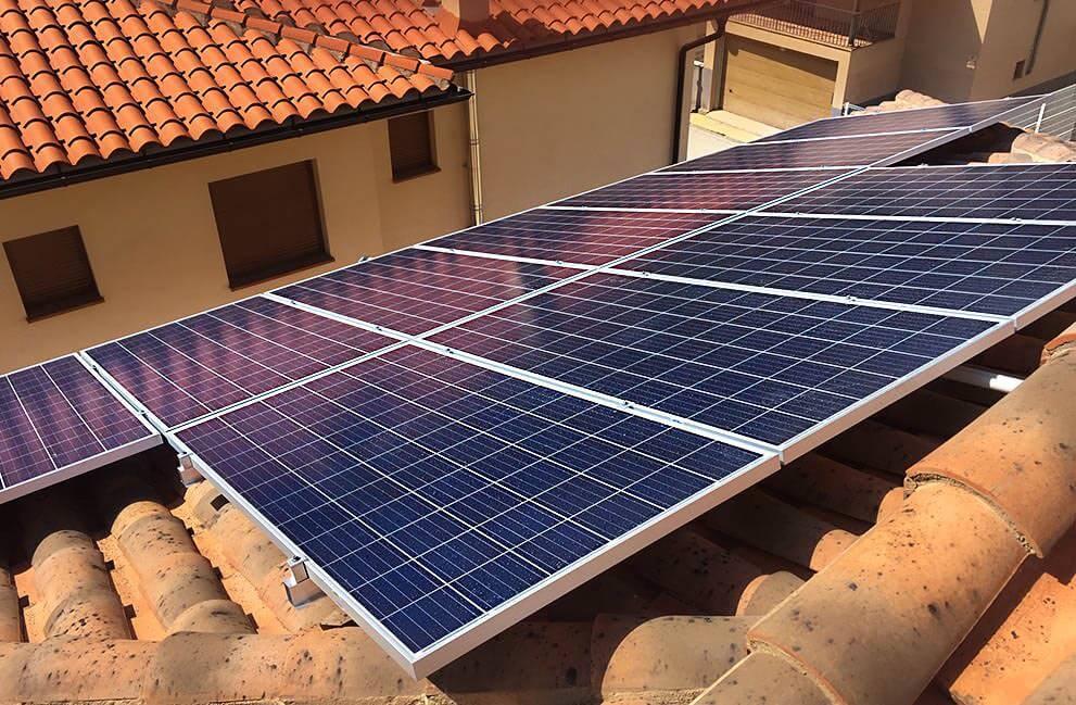 Instalación fotovoltaica en unifamiliar en Teruel