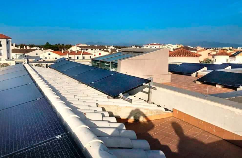 Instalación fotovoltaica en vivienda en Empuriabrava 2