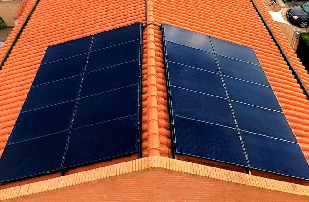 Instalación fotovoltaica en vivienda en Epila