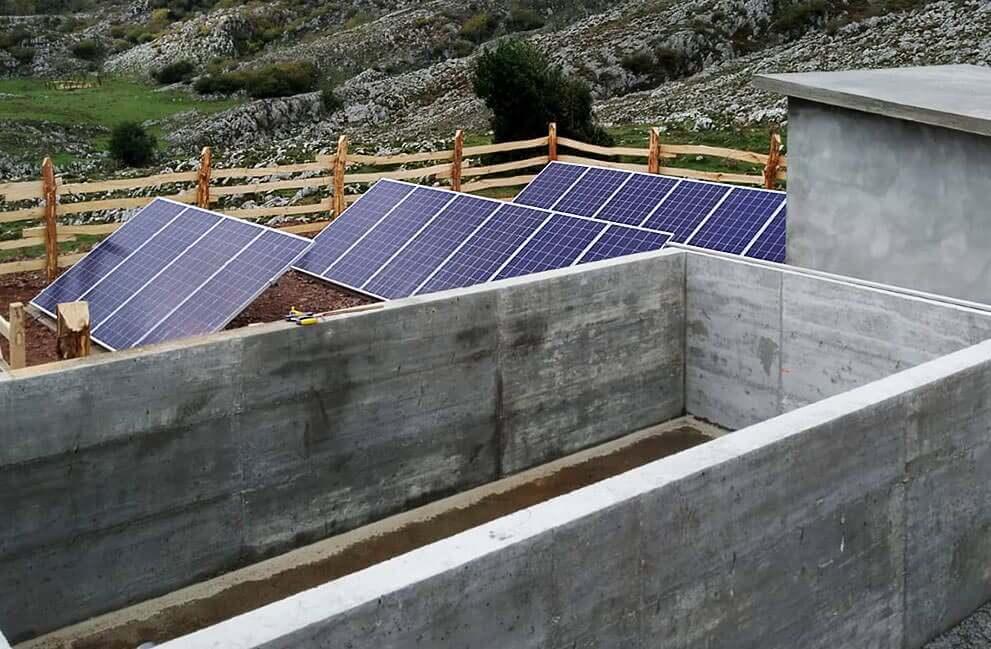 Instalación fotovoltaica para bombeo y captación de agua en Asturias 1