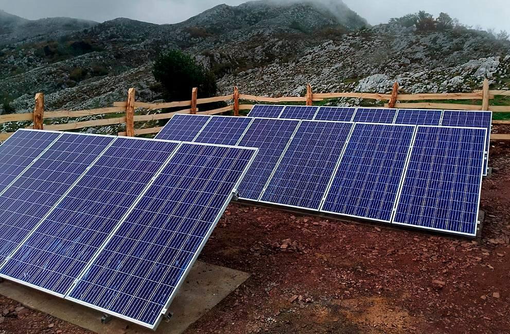 Instalación fotovoltaica para bombeo y captación de agua en Asturias 2