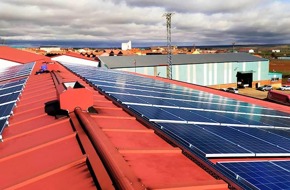 Instalación fotovoltaica en nave industrial en León 2