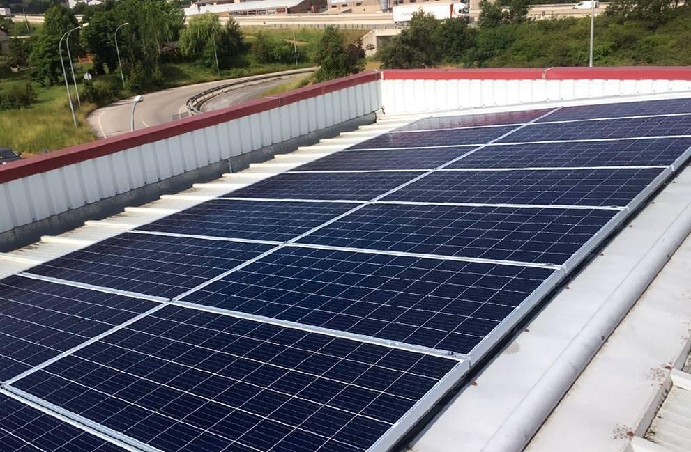 Instalación fotovoltaica en empresa en Vic 2