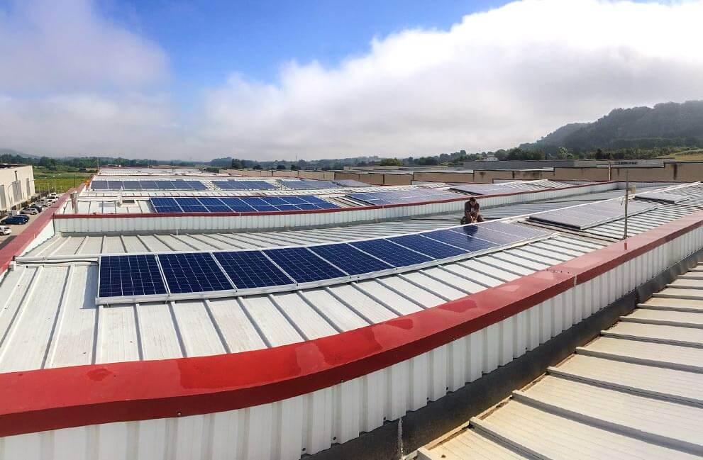 Instalación fotovoltaica en empresa en Vic