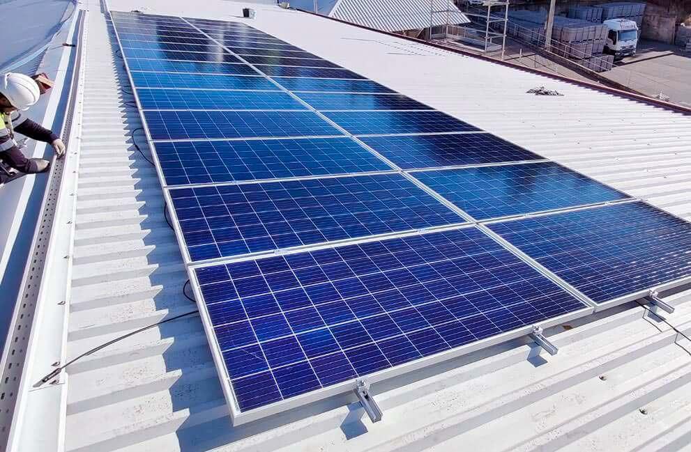 Instalación fotovoltaica en nave de fabricación en León 2