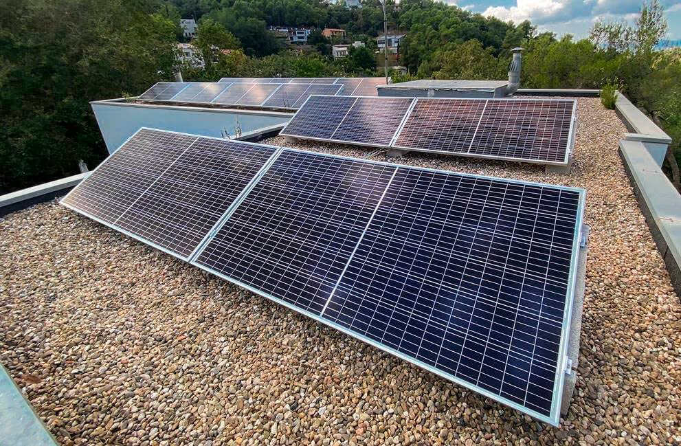 Instalación fotovoltaica en vivienda unifamiliar en Sant Cugat del Vallès 2