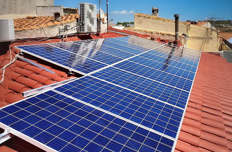 Instalación fotovoltaica en vivienda en Vilanova d'Alcolea