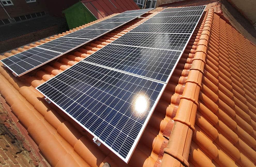 Instalación fotovoltaica en vivienda unifamiliar Passivhaus en León