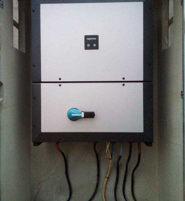 Instalación fotovoltaica en hotel en Murillo de Gallego 2