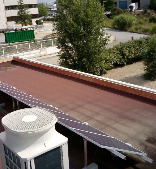 Instalación de fototermia en edificio en Barcelona