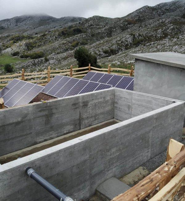 Instalación fotovoltaica para bombeo y captación de agua en Asturias