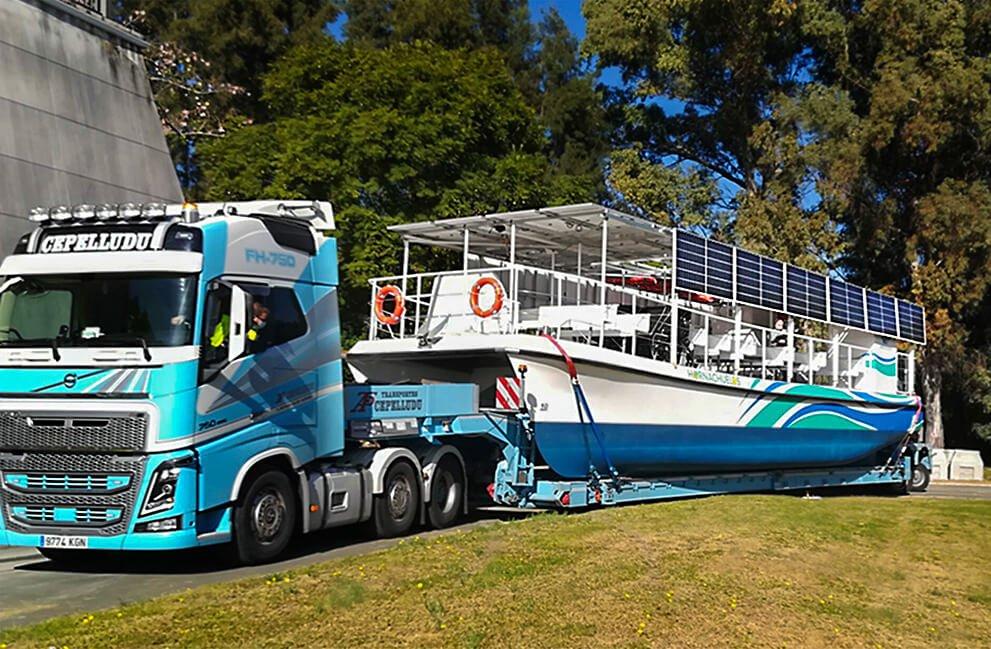 Instalación fotovoltaica aislada en barco en Hornachuelos 2