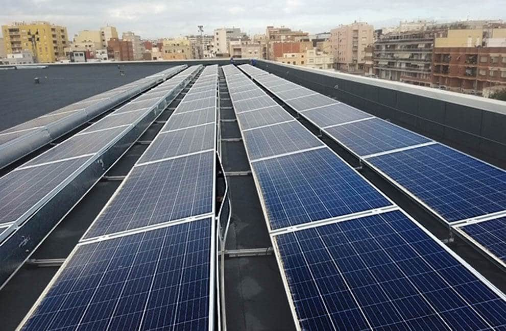 Instalación fotovoltaica en edificios públicos en Amposta