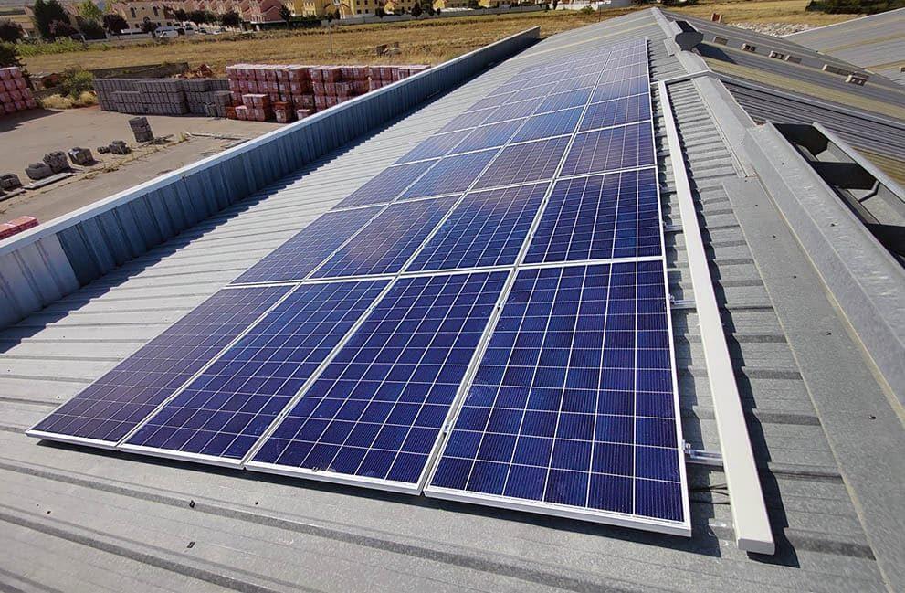Instalación fotovoltaica en empresa dedicada a la fabricación de aislantes para la construcción en Zamora