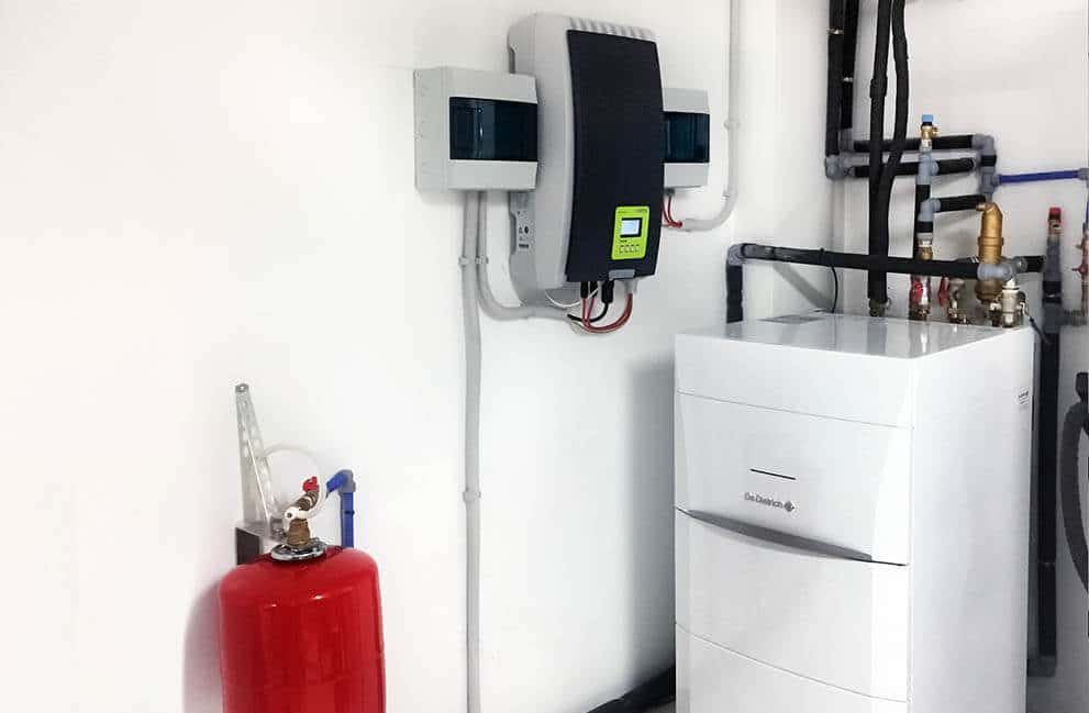 Instalación fotovoltaica con aerotermia en vivienda de Vitoria