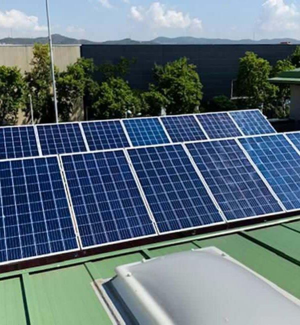 Instalación fotovoltaica en Instituto