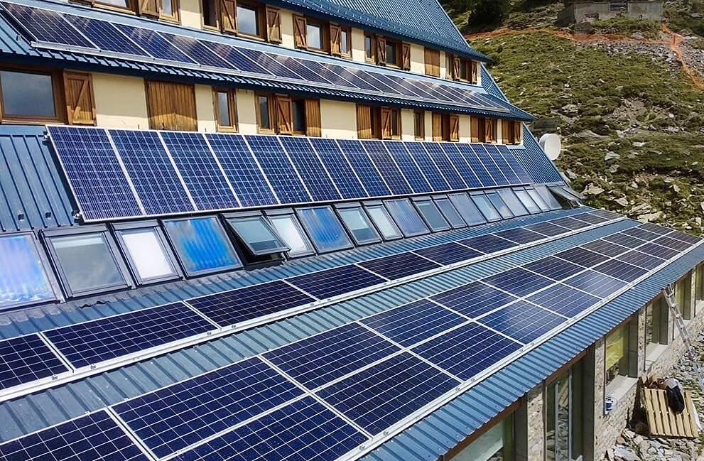 Instalación fotovoltaica en albergue del Pirineo Catalán 2