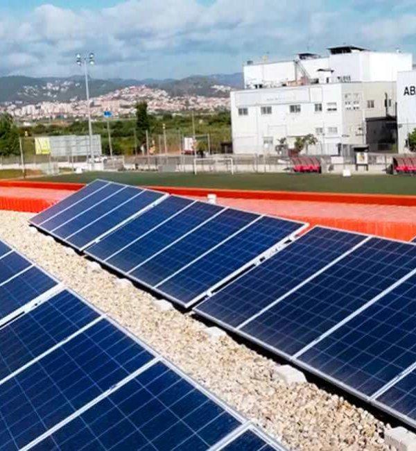 Instalación fotovoltaica en campo de futbol 1