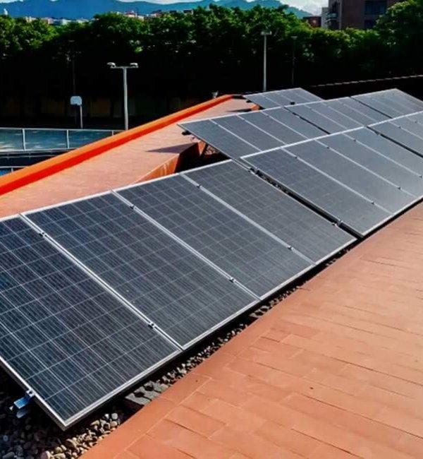 Instalación fotovoltaica en campo de futbol 2