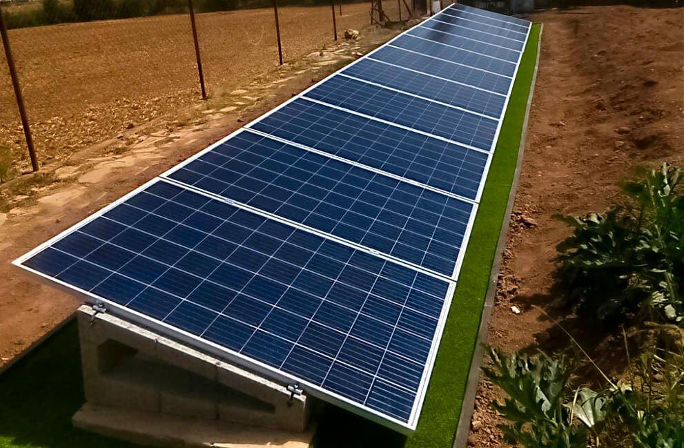 Instalación fotovoltaica en casa de campo en Los Arcos