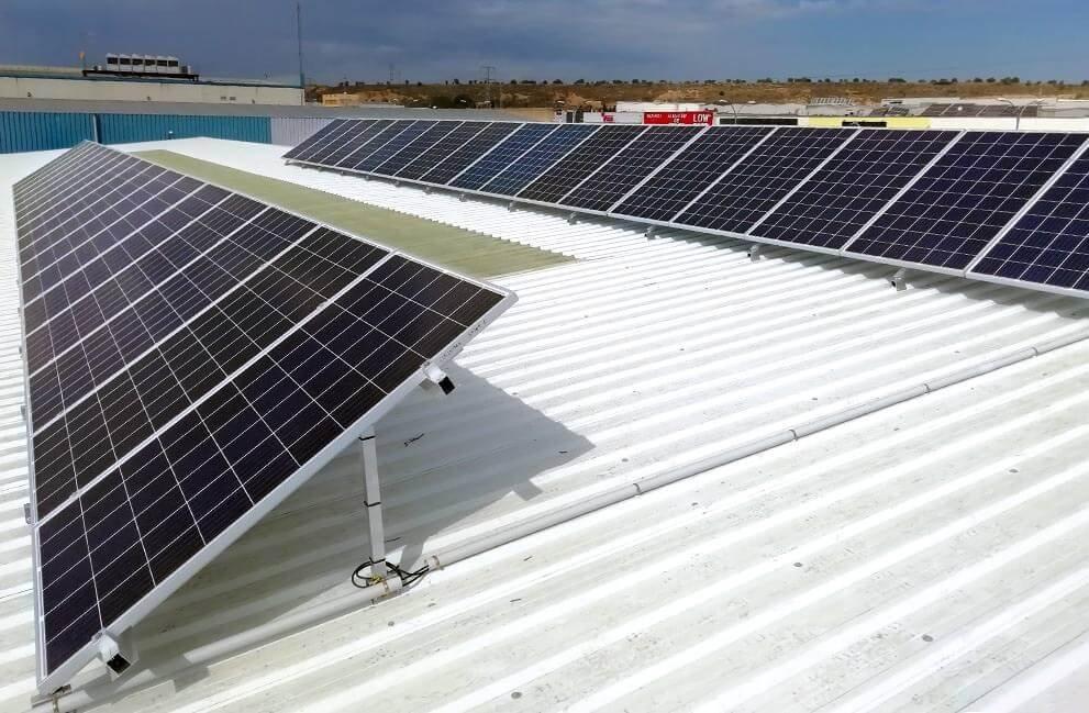 Instalación fotovoltaica en comercio en Huesca
