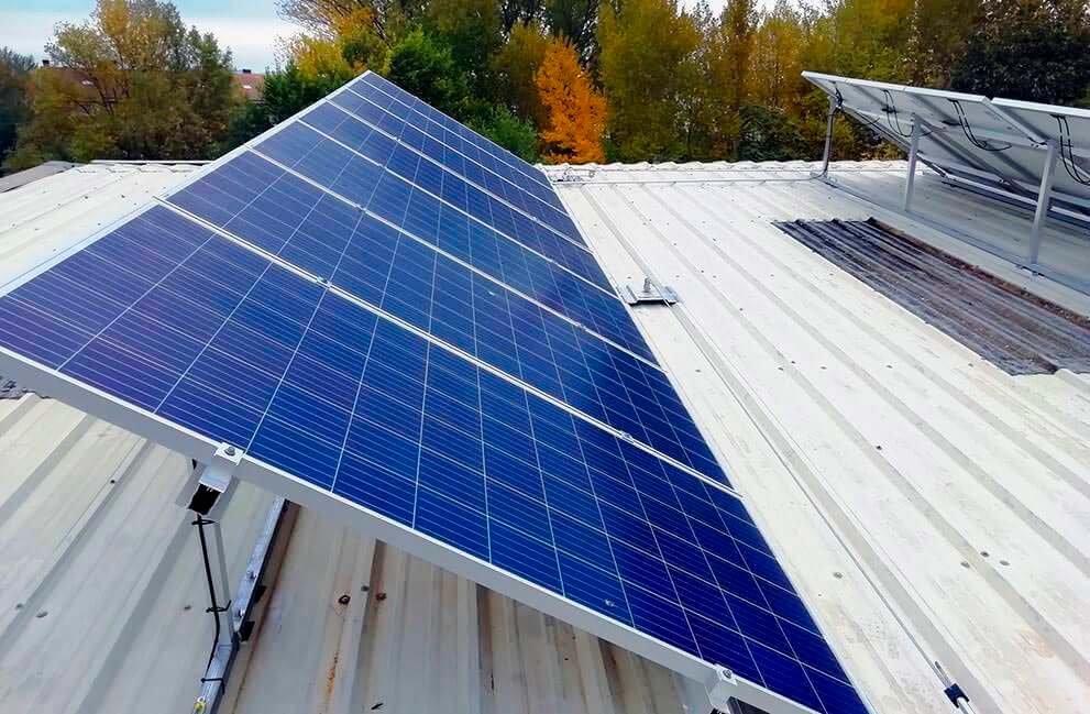 Instalación fotovoltaica en empresa energética en Huesca