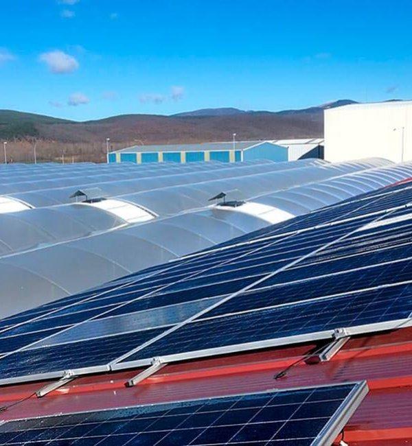 Instalación fotovoltaica en industria agroganadera en Vidanes