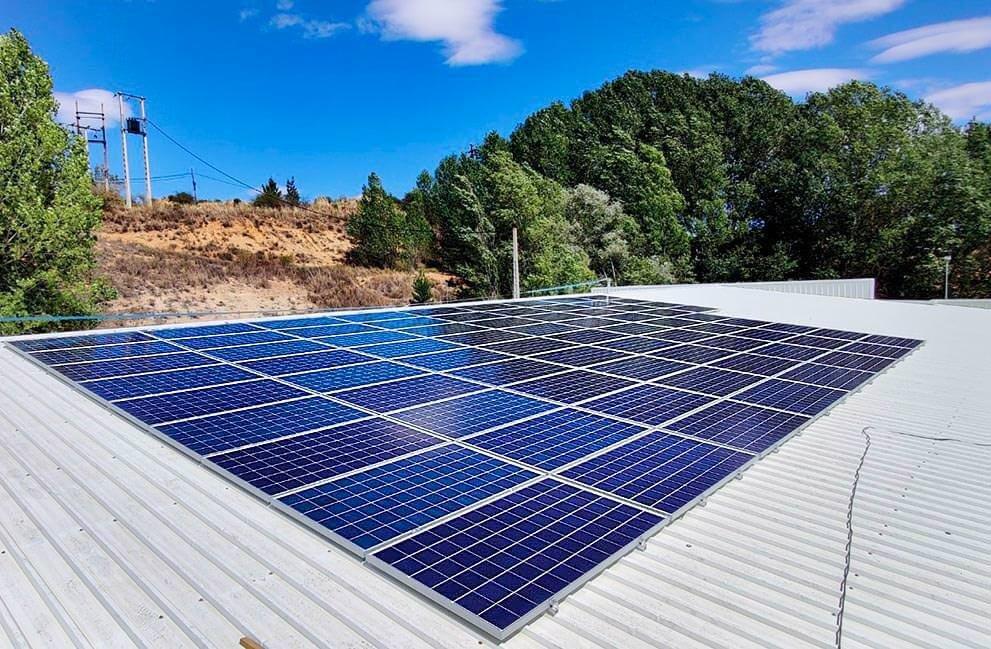 Instalación fotovoltaica en nave de fabricación en León 1