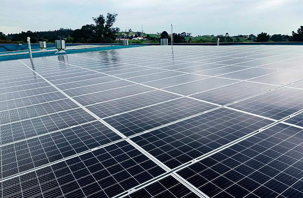 Instalación fotovoltaica en plataforma logística de Oviedo