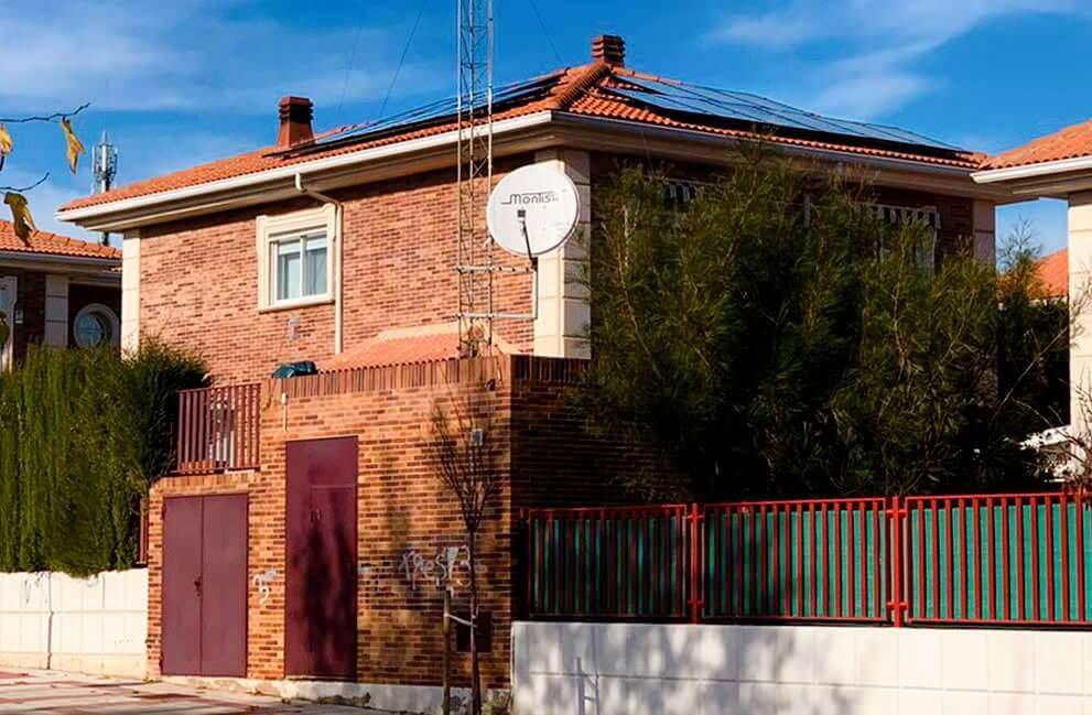 Instalación fotovoltaica en vivienda en Cuarte 2