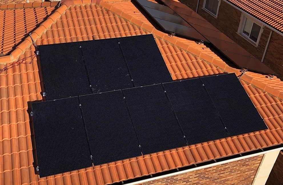 Instalación fotovoltaica en vivienda en Cuarte