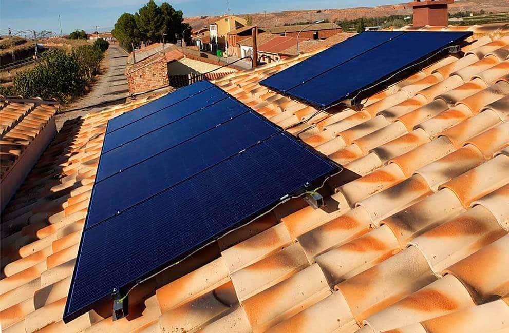 Instalación fotovoltaica en vivienda en La Zaida