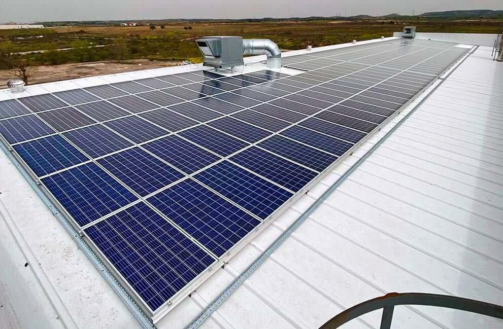 Instalación placas solares en panificadora en Madrid 2