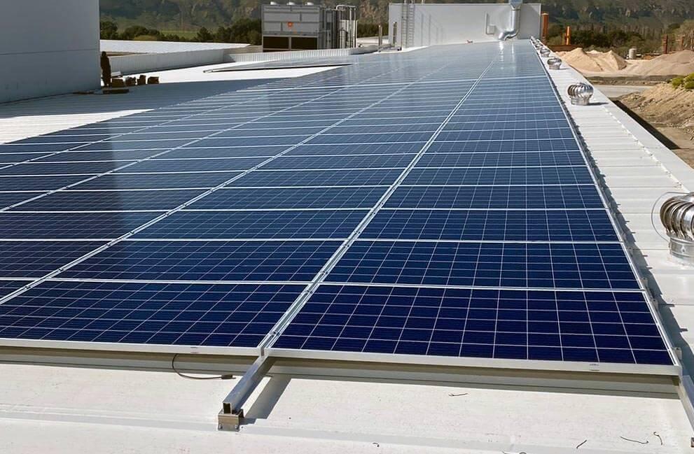 Instalación placas solares en panificadora en Madrid