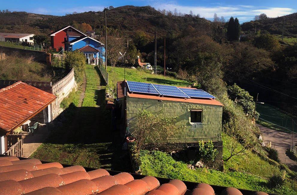 Instalación fotovoltaica en vivienda unifamiliar en Andallón
