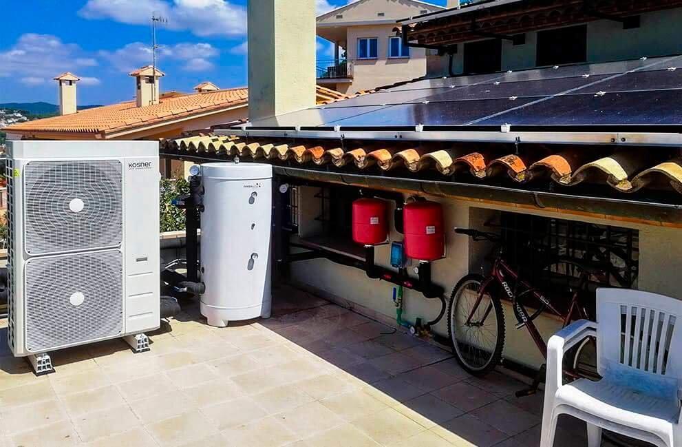 Instalación fotovoltaica con aerotermia en vivienda unifamiliar en Blanes 4