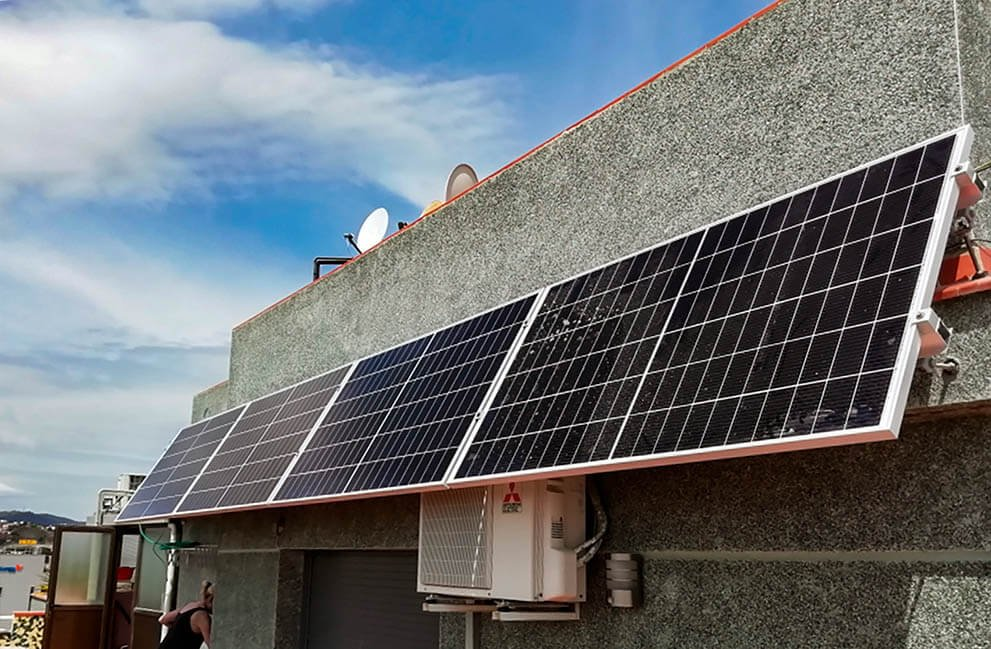 Instalación fotovoltaica en ático en Badalona