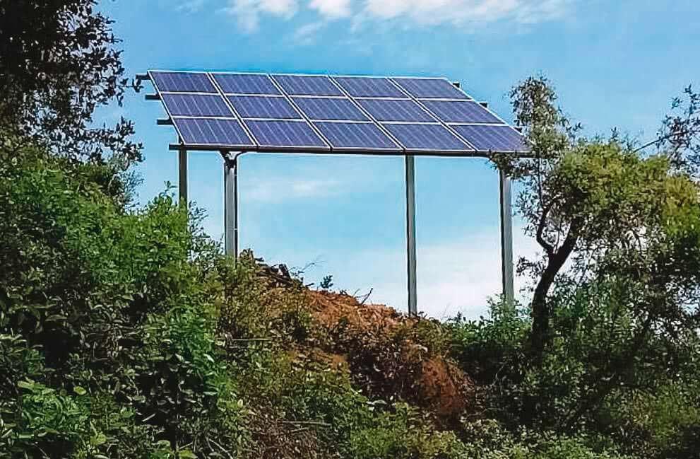 Instalación fotovoltaica en casa de campo aislada de red en Banyoles 2
