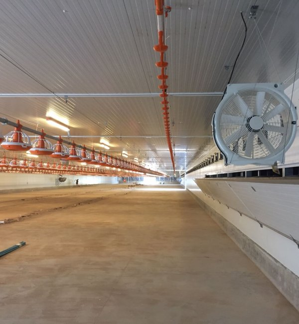 Instalación fotovoltaica en Manresa en una granja 6