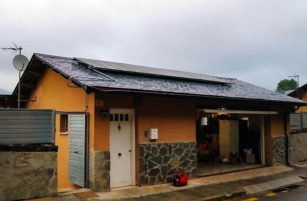 Instalación fotovoltaica en vivienda unifamiliar en Vallirana