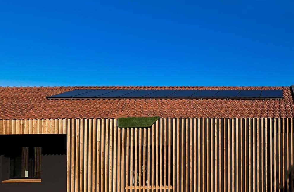 Instalación fotovoltaica en vivienda unifamiliar Passive House en Puente la Reina 1